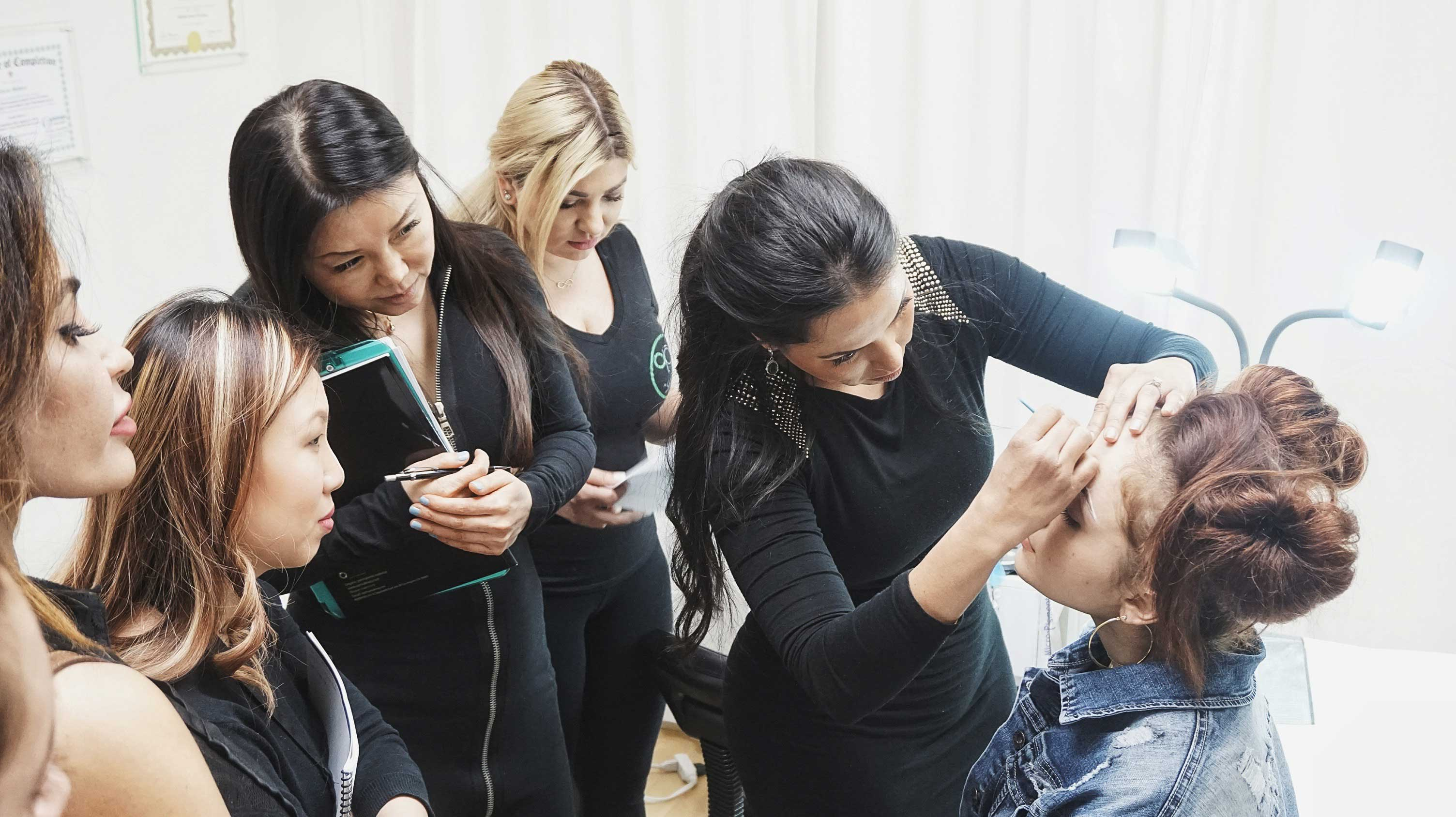 how to become a microblading artist