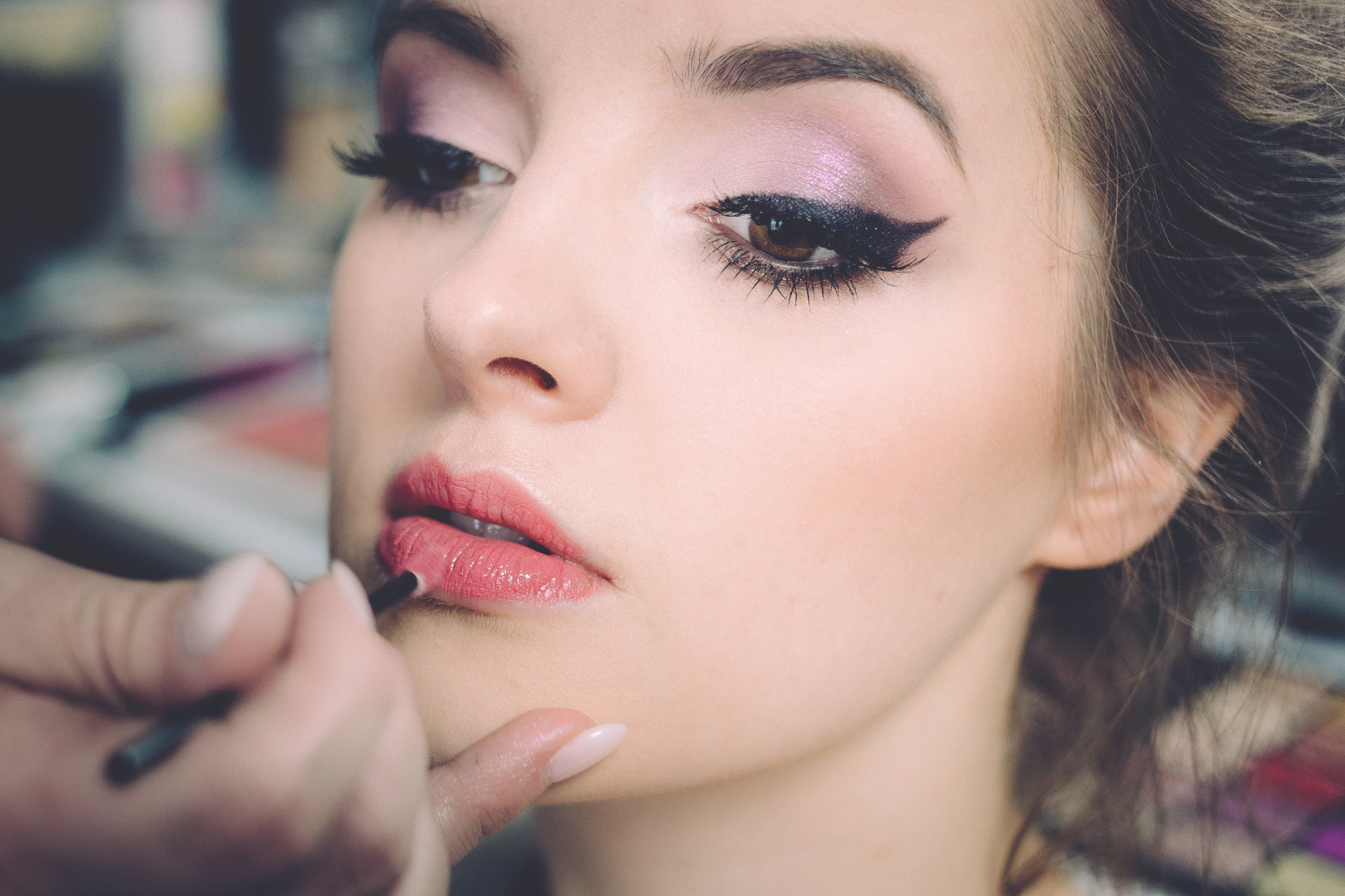 Get bigger lips with lip contouring