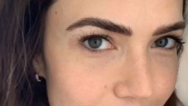 mandy moore's microbladed eyebrows